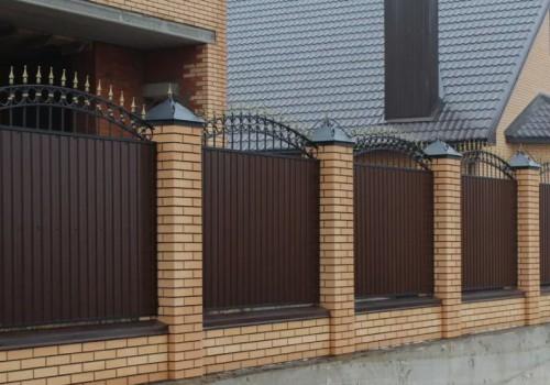 Как построить надёжный кирпичный забор?